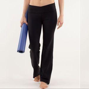 Lululemon black Astro pant yoga pant size 6
